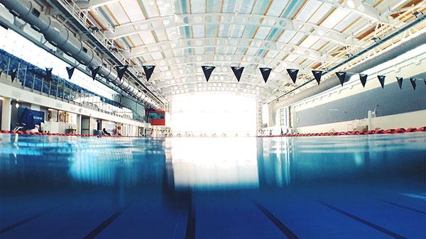 Equipamiento para piscinas públicas